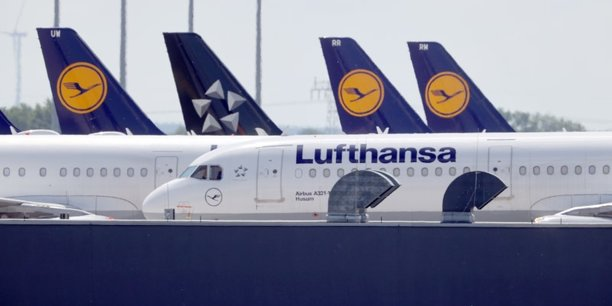 Lufthansa accuse une perte nette de plus de 2 milliards d'euros au 1er trimestre[reuters.com]