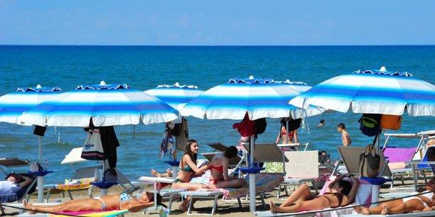 L'italie enregistre 71 nouveaux deces mercredi, 321 nouveaux cas[reuters.com]