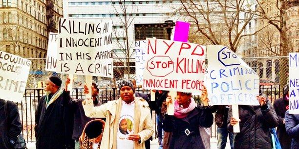 Manifestation de solidarité avec les proches de Mohamed Bah, le 25 mars 2013 devant la Cour suprême de New-York City.