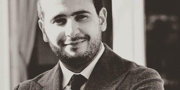 Hamza Hraoui est communicant, spécialiste en affaires publiques