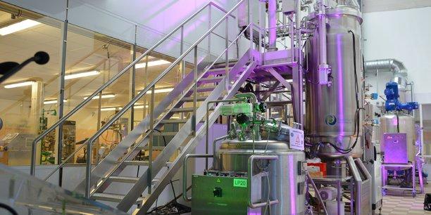 Une ligne de production de microalgues