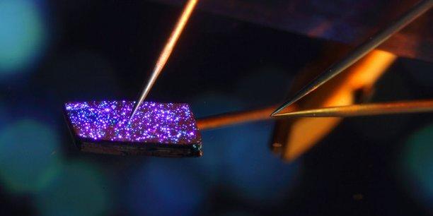 Aledia travaille à développer ses LEDS plus brillantes et moins énergivores à partir de wafers en silicium, en utilisant les forces de la microélectronique.