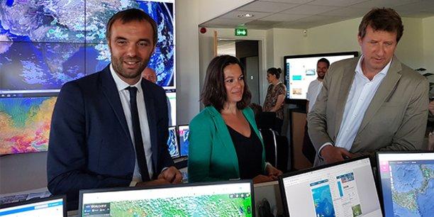 Michael Delafosse et Coralie Mantion, candidats de la liste Montpellier unie, et Yannick Jadot, député européen EELV, étaient en visite chez Predict Services à Montpellier le 24 juin 2020.