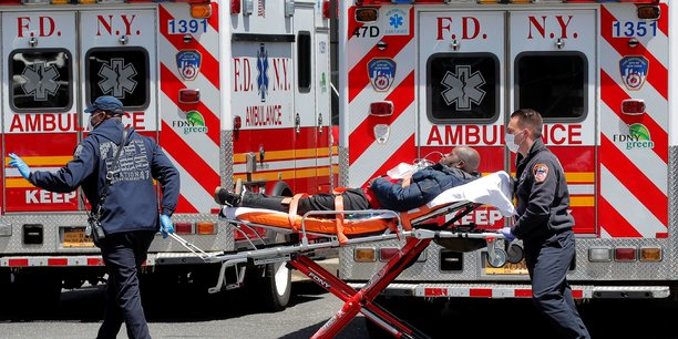 Les États-Unis ont désormais détecté près de 2,8 millions de cas en tout. Le sud et l'ouest du territoire voient une flambée de cas, qui met tout le pays en danger selon les termes d'Anthony Fauci, directeur de l'Institut américain des maladies infectieuses.