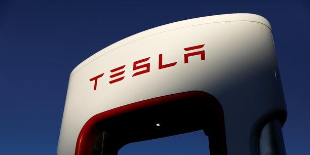 Tesla devient l'entreprise la plus chère en Bourse du secteur automobile