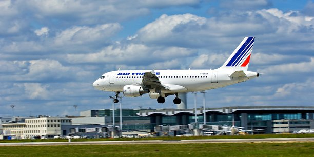 L'arrêt désormais programmé de la navette vers Paris Orly fragilise encore un peu plus les perspectives de reprise de l'aéroport de Bordeaux-Mérignac.