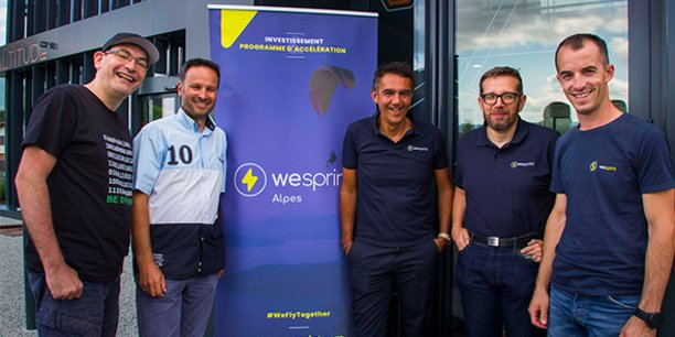 De gauche à droite : Alexandre Jenny (DG de WeSprint Alpes), Aymeric Léger (fondateur de EasyFlirt), Olivier Pochard (fondateur de Boost French Tech in the Alps et président du Grow Spot), Nicolas Gal (directeur des opérations de WeSprint) et Arnaud Laurent (DG de WeSprint).