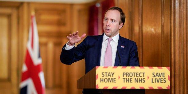 Le ministre de la sante britannique salue le comportement responsable des anglais[reuters.com]