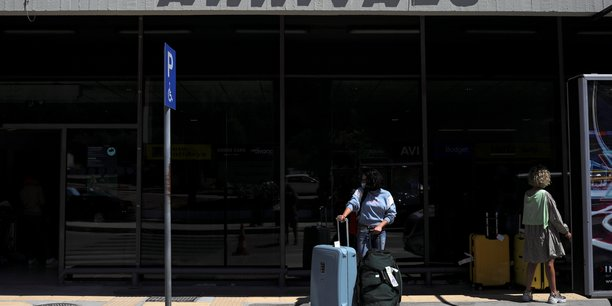 Les vols entre grece et grande-bretagne reprendront le 15 juillet[reuters.com]