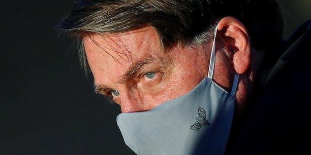 Le president bresilien jair bolsonaro positif au coronavirus[reuters.com]