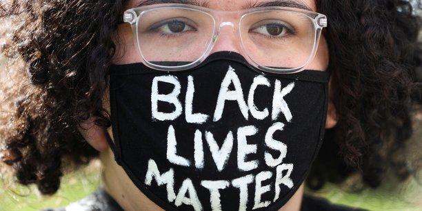 Manifestations antiracistes: des intellectuels deplorent l'intolerance de toute part[reuters.com]