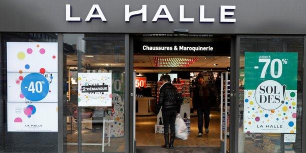 Avec cette acquisition du fleuron français de la mode à petit prix pour toute la famille, le groupe malouin compte consolider sa position sur ce secteur.