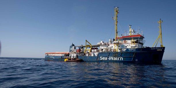 L'italie immobilise un navire humanitaire pour des raisons de securite[reuters.com]
