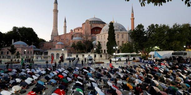 La france deplore la decision turque au sujet de sainte-sophie[reuters.com]