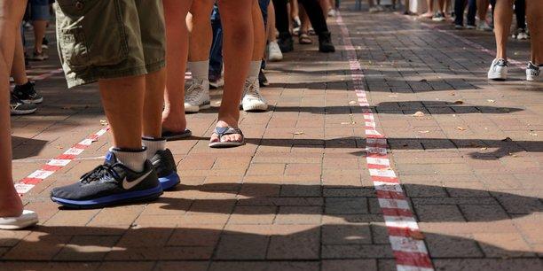 Coronavirus: hong kong signale 52 nouveaux cas, en majorite des contaminations locales[reuters.com]