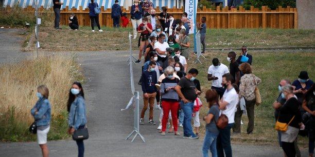 France : port du masque dans les lieux publics obligatoire des la semaine prochaine[reuters.com]