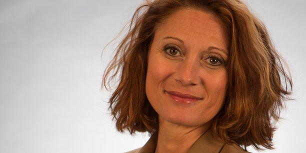 Valérie Merle, dirigeante de l'entreprise de maçonnerie Merle & Coste qui emploie 9 salariés, confie comment elle réussit à concilier développement de l'entreprise et congés pour se ressourcer.