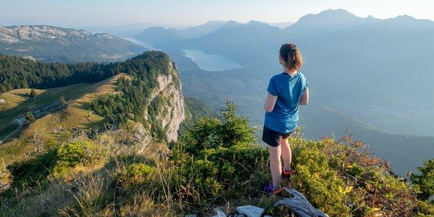 En misant sur l'appétence pour les activités outdoor, l'une des pistes qui émergent aujourd'hui au sein des stations alpines serait d'en profiter pour rallonger, de quelques semaines, la durée de leur saison estivale.