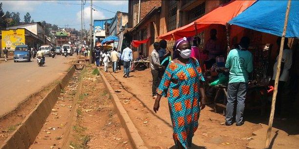 Dans les rues de Bukavu comme ailleurs, les masques sont encore trop rarement portés.Gloire Kalunduzi Baraka/Projet Dashboard,Author provided