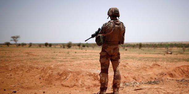 Deces au tchad d'un soldat francais de la force barkhane[reuters.com]