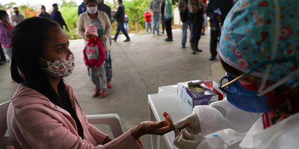 Coronavirus: plus de 52.000 cas supplementaires au bresil[reuters.com]