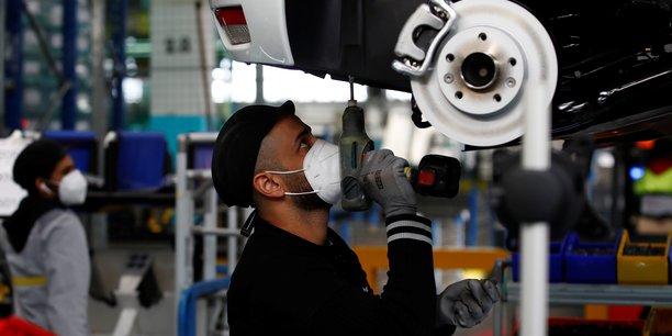 Immatriculations de voitures neuves en hausse de 3,92% en juillet[reuters.com]
