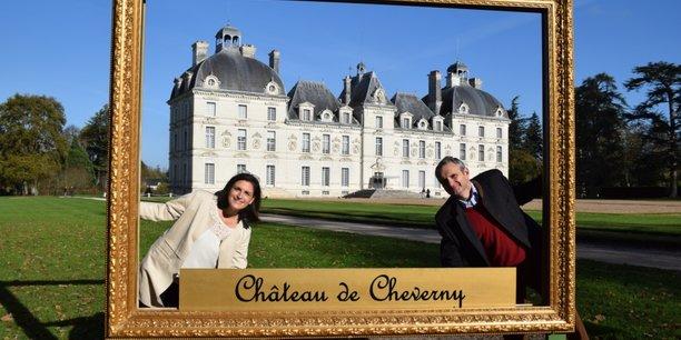 Pour pallier la baisse des recettes, les propriétaires de Cheverny, Charles-Antoine et Constance de Vibraye, envisagent d'augmenter le prix moyen des billets d'entrée et réfléchissent à la mise en place de visites VIP.