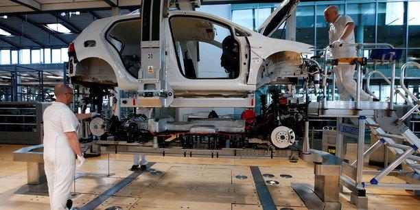 Le secteur manufacturier de la zone euro renoue avec la croissance[reuters.com]