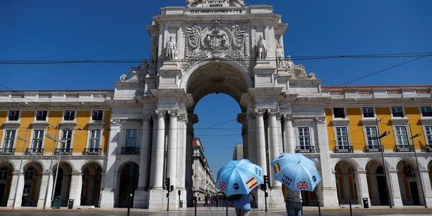 Le coronavirus fait souffrir le tourisme au portugal[reuters.com]