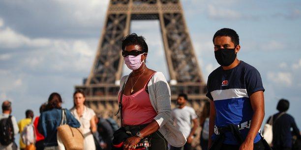 France: plus de 1.100 nouveaux cas par jour entre samedi et lundi[reuters.com]