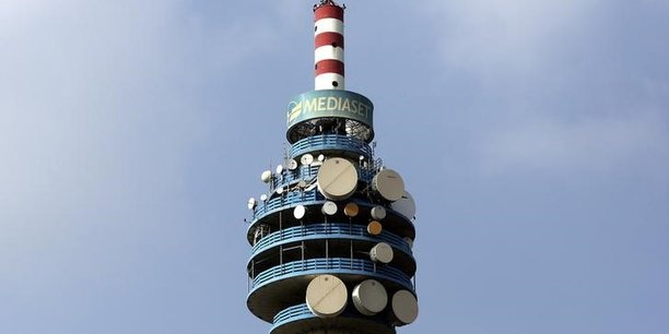 Mediaset renonce au calendrier de son projet mediaforeurope, pret a discuter avec vivendi[reuters.com]