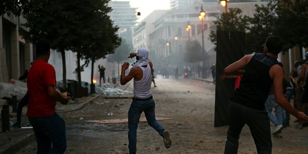 Nouveaux affrontements entre manifestants et policiers a beyrouth[reuters.com]