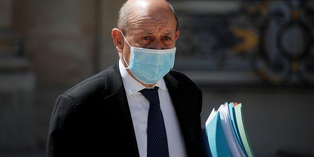 La france a pris connaissance de la demission du gouvernement libanais, dit le drian[reuters.com]