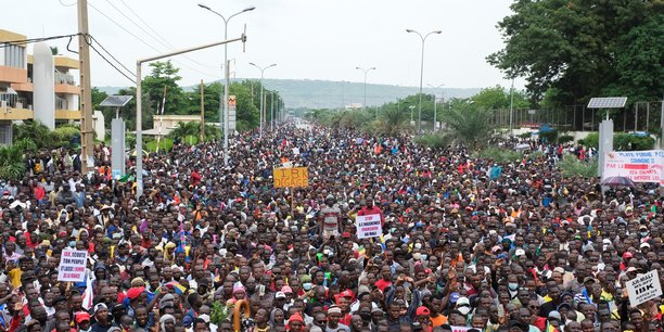 La police disperse des manifestants antigouvernementaux a bamako[reuters.com]
