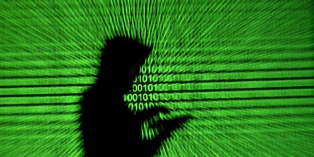 Une enquête a été ouverte par le gouvernement et la police fédérale pour déterminer s'il y a eu des atteintes à la vie privée et si des renseignements ont été obtenus à partir de ces comptes, ont expliqué les autorités.