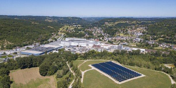 La centrale solaire thermique reliée à l'usine à papier de Condat en Dordogne a été inaugurée en juin 2019.