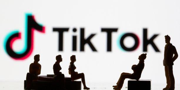 TikTok est accusé de surexploiter les données personnelles de ses utilisateurs et de ne pas protéger assez les mineurs face aux pratiques marketing et aux contenus inappropriés.