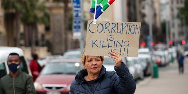 Cape Town, Afrique du Sud, le 5 septembre 2020. Les deux tiers des contrats de fourniture de matériel de protection en Afrique du Sud ne respectent pas les règles fiscales, ou ne sont pas déclarés, a fait savoir jeudi le commissaire du fisc Edward Kieswetter.