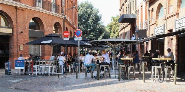 Une centaine de bars et restaurants de Toulouse et son agglomération ont publié une tribune pour dénoncer les conséquences du pass sanitaire.
