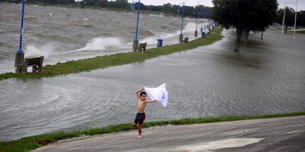 L'ouragan sally balaie les cotes du golfe du mexique[reuters.com]