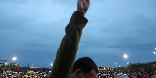 Grande manifestation anti-gouvernementale en thailande[reuters.com]