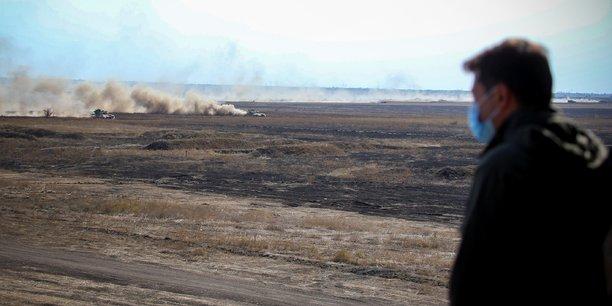 L'ukraine lance des manoeuvres militaires face aux exercices russes[reuters.com]