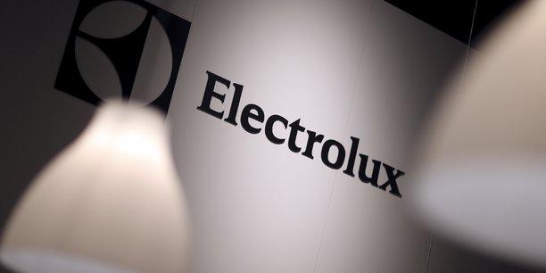 Electrolux propose de retablir un dividende, les resultats se redressent[reuters.com]