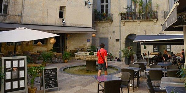 Avec le passage de Montpellier en zone alerte rouge renforcée, les restaurants et les bars de la ville subissent un nouveau tour de vis sur leur activité.