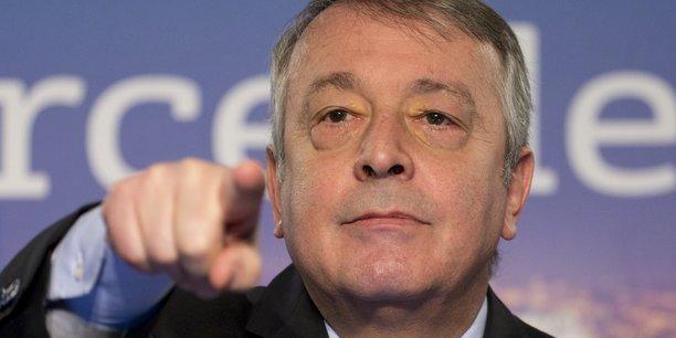 Suez appelle à une OPA ferme de Veolia, mais tout est fait pour qu'elle ne puisse pas avoir lieu, dénonce le PDG de Veolia, Antoine Frérot.