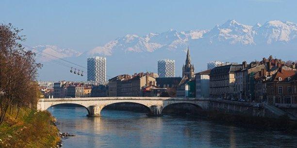 Photo d'illustration. Vue d'ensemble de la ville de Grenoble.
