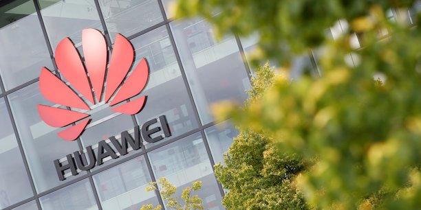 En cas d'exclusion de Huawei, Pékin avait brandi la menace de mesures de rétorsion à l'égard de la puissante industrie automobile allemande.