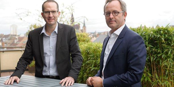 Nous avons la chance de ne pas être trop proches du secteur de l'aéronautique, qui souffre beaucoup, estime Michaël Rault (à gauche), responsable du marché des entreprises du Crédit Agricole à Strasbourg. Ici avec Matthieu Boraud, directeur général adjoint.