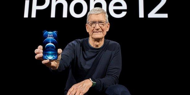 Apple, qui entend réduire à zéro son impact sur le climat d'ici 2030, a annoncé mardi que les nouveaux iPhone utiliseront pour la première fois des terres rares recyclées à 100% dans tous les aimants, notamment ceux du nouvel appareil photo.