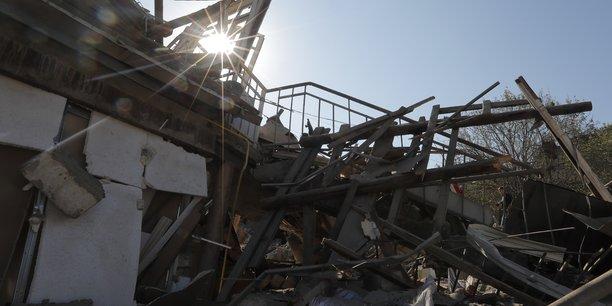 Armenie et azerbaidjan s'accusent de violations de la treve[reuters.com]